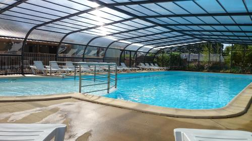 Camping entre Terre et Mer : Guest accommodation near Arzano