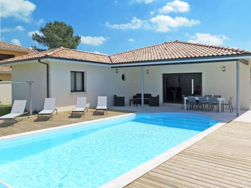 Ferienhaus mit Pool Messanges 180S : Guest accommodation near Messanges