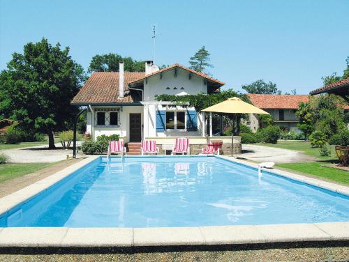 Ferienhaus mit Pool St. Julien-en-Born 140S : Guest accommodation near Morcenx