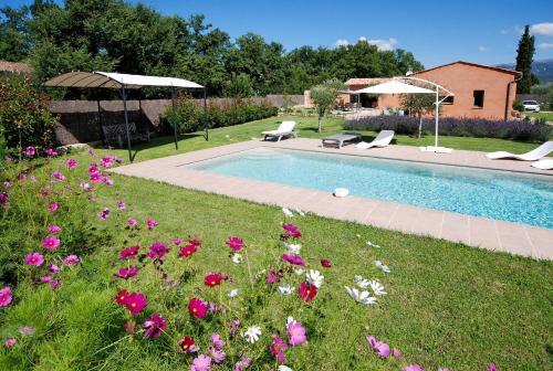 Ferienhaus mit Pool St. Cezaire-sur-Siagne 110S : Guest accommodation near Saint-Cézaire-sur-Siagne