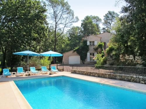Ferienhaus mit Pool Bagnols-en-Foret 120S : Guest accommodation near Bagnols-en-Forêt