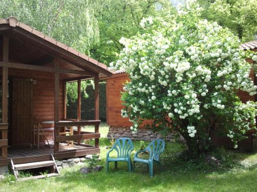 Les chalets Quazemi : Guest accommodation near Casteil