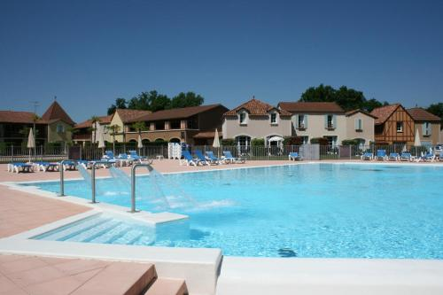 Gite L'Ecuyer du lac : Guest accommodation near Laussou