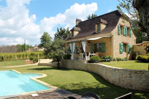 Ferienhaus mit Pool Prats-de-Carlux 200S : Guest accommodation near Saint-Vincent-le-Paluel