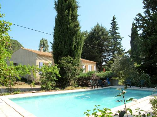 Ferienhaus mit Pool Tresques 130S : Guest accommodation near Connaux