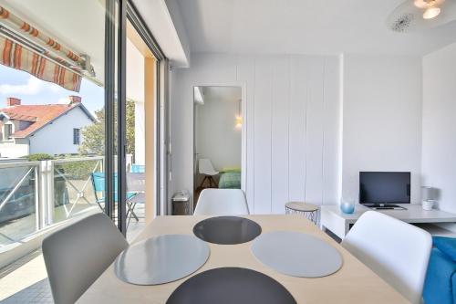 Appartement Les Embruns : Apartment near Saint-Gilles-Croix-de-Vie