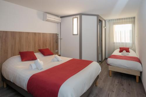 Brit Hotel Plaisance A9/A61 : Hotel near Narbonne