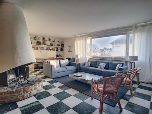 House Maison jullouville front de mer : Guest accommodation near Saint-Pierre-Langers