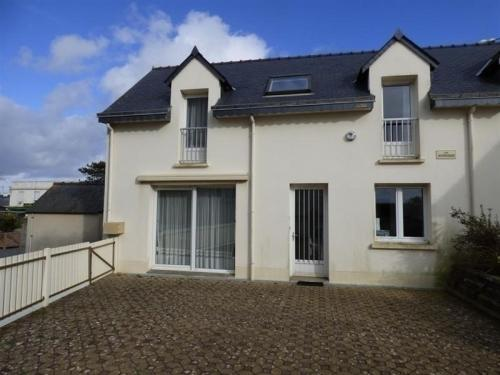 House Jullouville maison 3 pieces a 50 metres de la plage : Guest accommodation near Carolles