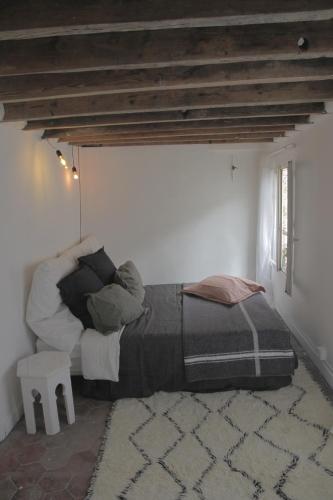Studio Romantique et Boheme : Apartment near Paris 9e Arrondissement