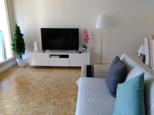Bel et spacieux appartement de 84 m² avec parking très proche du Métro Garibaldi : Apartment near Lyon 8e Arrondissement