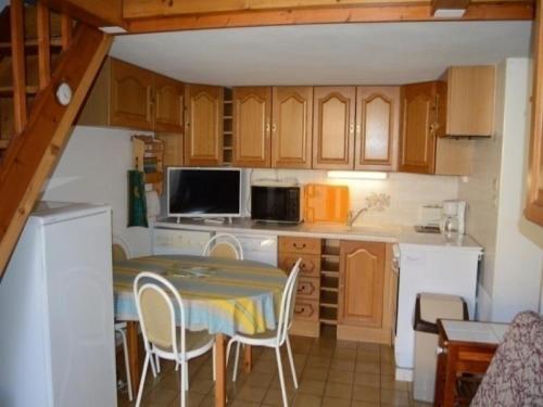 Rental Apartment Village De La Grande Bleue 17 : Apartment near Caves
