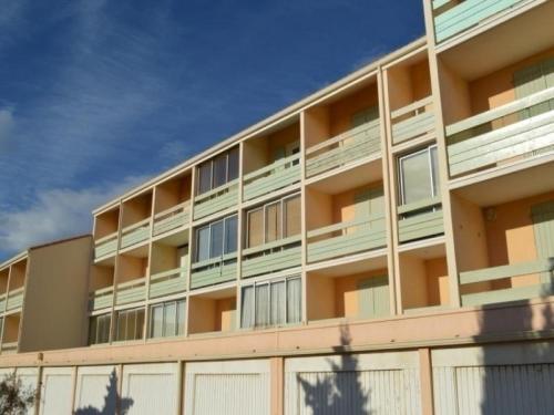 Rental Apartment Le Carlton 4 : Apartment near Caves