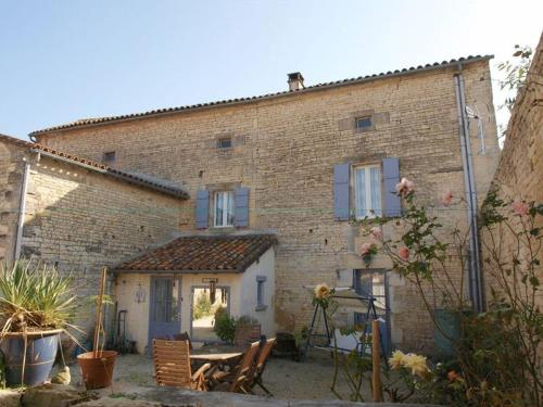 Bed and Breakfast Dunroamin : Bed and Breakfast near Beauvais-sur-Matha