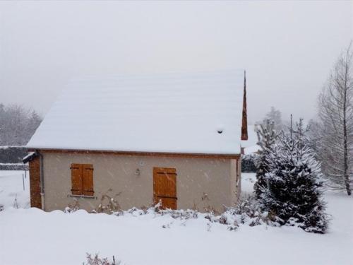 House Agreable maison** récente avec vue sur les massifs : Guest accommodation near Cournols