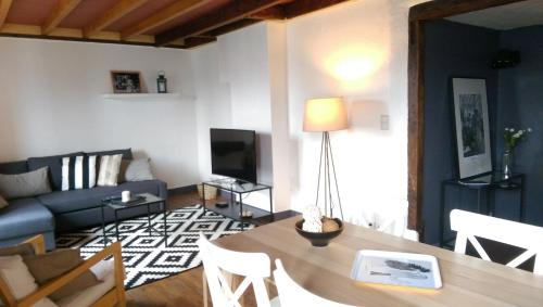 Appartement 4 à 6 personnes _ Coeur de Reims : Apartment near Bergnicourt