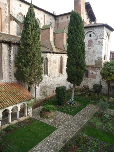 Appartement dans le cloître Saint Salvy à Albi. : Apartment near Albi