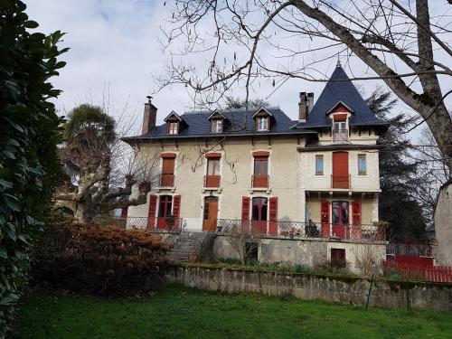 Le Béarn sous les toits : Bed and Breakfast near Bénéjacq