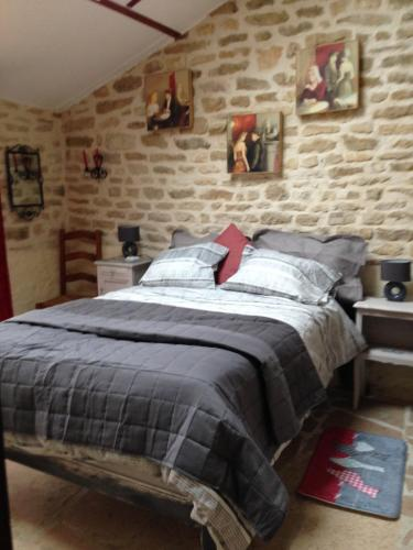 Le Bonheur : Bed and Breakfast near Champallement