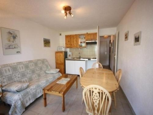 Apartment Les gentianes : Apartment near Azet
