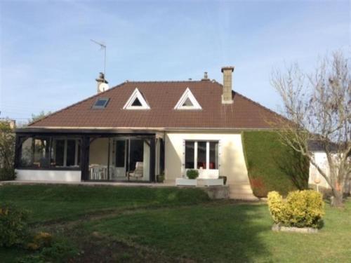 House A jullouville maison avec grand jardin proche mer et commerces : Guest accommodation near Carolles
