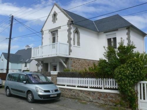 House Jullouville maison 5 pieces proche de la mer : Guest accommodation near Saint-Pierre-Langers