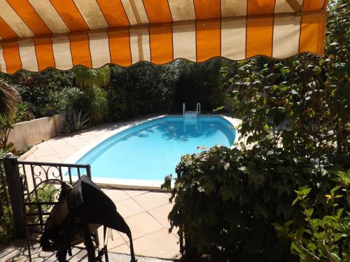 Villa & piscine / jardin 400 m²/ 3 chambres/proche plages/Rés tourisme 3 étoiles : Guest accommodation near Carqueiranne