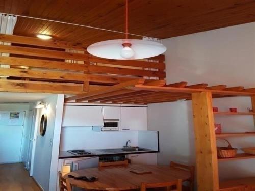 Apartment Studio avec mezzanine aux pieds des pistes : Apartment near Saint-Donat
