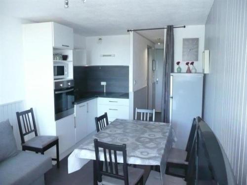 Apartment Appartement dans résidence a proximité des pistes : Apartment near Saint-Donat
