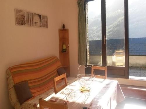 Apartment Pyrenees soleil 5 : Apartment near Chèze