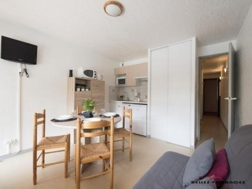 Apartment Portes du soleil a : Apartment near Azet