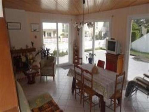 House A jullouville maison avec jardin a 100 metres de la plage : Guest accommodation near Saint-Pierre-Langers