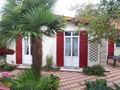 House Villa en ville d'automne : Guest accommodation near La Teste-de-Buch