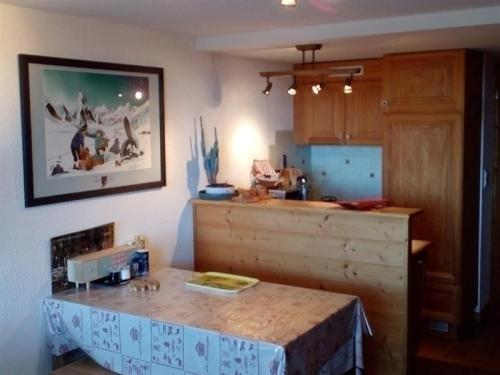 Apartment Appartement au coeur de la station de super - besse bois : Apartment near Saint-Donat