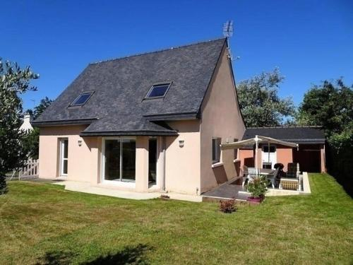 House Louannec - 6 pers, 100 m2, 5/3 : Guest accommodation near Louannec