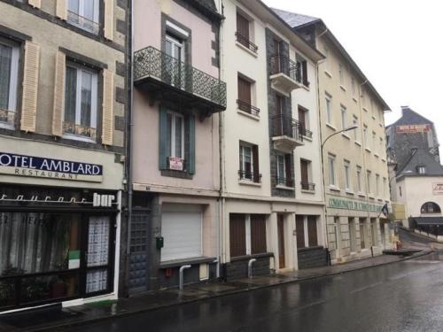 Apartment Appartement f3 centre ville : Apartment near Mont-Dore
