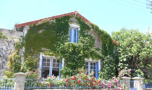 Le Bois des Nids : Bed and Breakfast near Aubigny