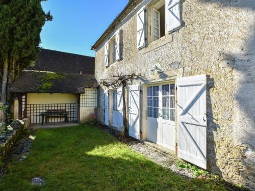 Maison De Vacances - Montfaucon 1 : Guest accommodation near Ginouillac