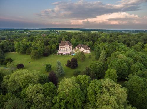 Le Château de la Tour : Hotel near Mours