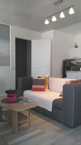 Les Bonbonieres d'Andrea Gavinies Pellegrin : Apartment near Talence