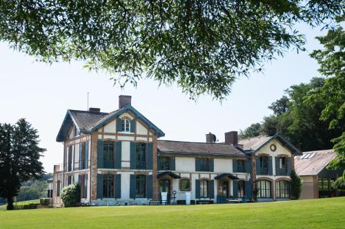Guesthouse Domaine du Chalet : Bed and Breakfast near Chigny-les-Roses