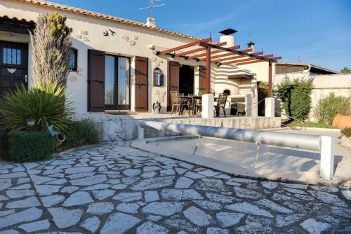 StayInProvence - L'Angelière : Guest accommodation near Lançon-Provence