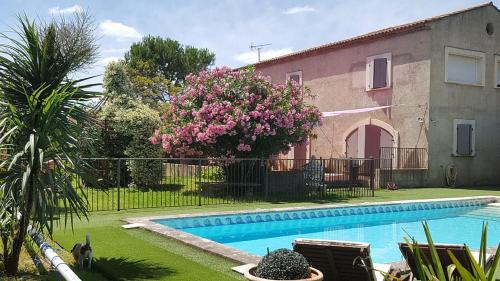 ACCENT IMMOBILIER - Mas Brau, piscine chauffée, 8 pers : Guest accommodation near Rognonas
