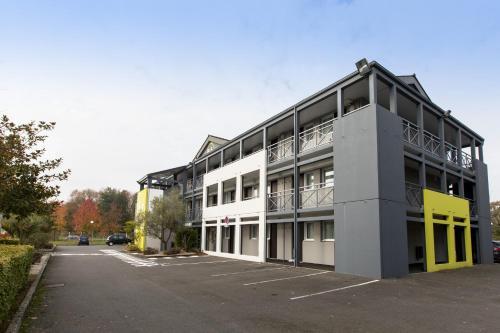 B&B Hôtel Rennes Nord St Grégoire : Hotel near Clayes