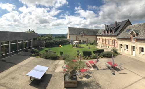 Ferme Du Chateau : Residence near Monampteuil