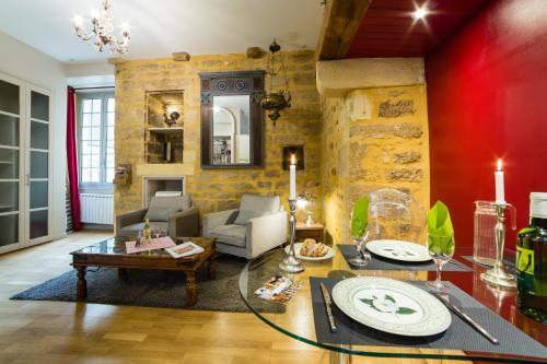 Rouge Passion : Apartment near Saint-André-d'Allas