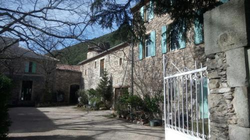 Château de Colombières sur Orb : Guest accommodation near Castanet-le-Haut