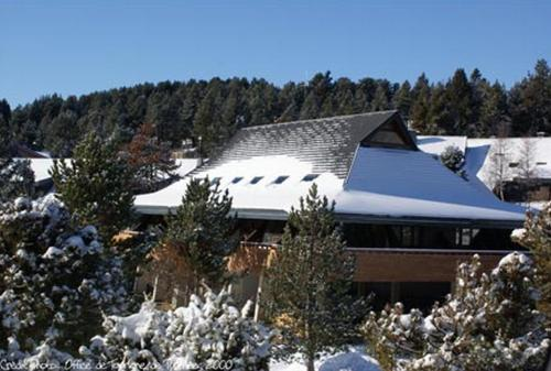 Le Chalet du Ticou : Guest accommodation near La Cabanasse