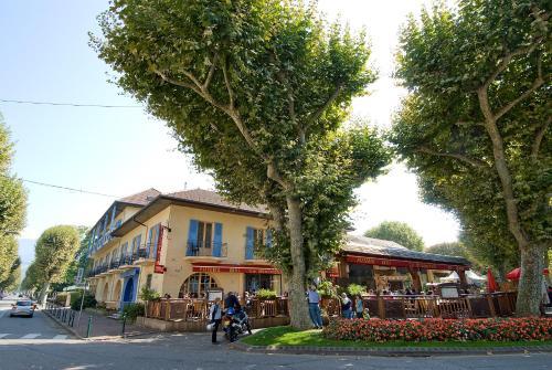 Inter-Hotel Aix-les-Bains L'Iroko Grand Port : Hotel near Virignin