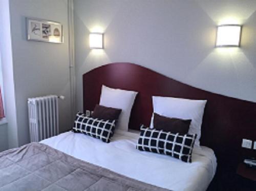 Hotel les Commercants : Hotel near Ceyrat